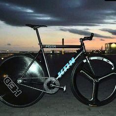 Fixed Gear, Gears, Wheels, Track, Bicycle, Instagram Posts, Bike, Gear Train, Runway