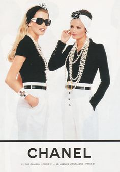 """ Chanel S/S 1995 Model : Claudia Schiffer & Helena Christensen "" Chanel Couture, Claudia Schiffer, Look Fashion, 90s Fashion, Vintage Fashion, Womens Fashion, Fashion Design, Fashion Trends, 1990 Style"