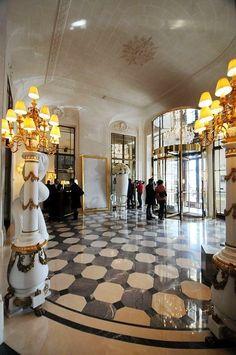 Le Meurice, Paris, Bathroom with Montmartre view |