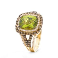 Delicious Green Apple Peridot, drizzled with Chocolate Diamonds and Vanilla Diamonds, touched with Honey Gold. Going green never looked so stylish.