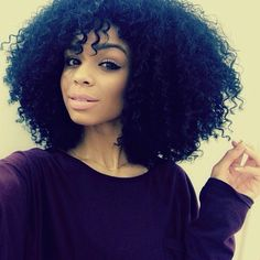 I wish I had an afro! Weave Hairstyles, Straight Hairstyles, Cool Hairstyles, Pelo Natural, Natural Curls, Curly Hair Styles, Natural Hair Styles, Curly Bangs, Natural Hair Inspiration