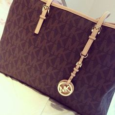 Thanks, Pinterest Pinners, for stopping by, viewing, re-pinning, following my boards. Have a beautiful day! ^..^ and Feel free to share on Pinterest ^..^ #streetfashion #fashionupdates #purses mk just need $72.99!!!!!!! http://www.bags-shoppings.com