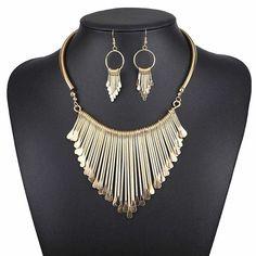 Golden Color Fashion Necklace Set with Earring <3<3 #necklaceset #pachi #jewellery #jewelrygram #jewelryaddict #ootd #fashiondiaries #instastyle #fashionpost #instafashion #beautiful #lookbook #indianwedding #photooftheday #wedmegood #love #Beautiful #Cute #fashioncrab Buy: https://buff.ly/2wkqJPd