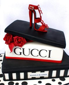 Shoes = a girl's best friend. Cake = her favourite companion. Put the two together... #guccicake #shoecake