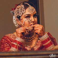 Image may contain: 1 person Indian Bridal Makeup, Indian Bridal Outfits, Indian Bridal Fashion, Indian Wedding Jewelry, Bridal Dresses, Bridal Jewellery, Gold Jewellery, Wedding Makeup, Indian Jewelry