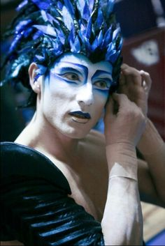 Varekai : Aerial strap act Cirque du Soleil Blue twins Sfx Makeup, Body Makeup, Costume Makeup, Ballet Makeup, Circus Makeup, Fantasy Make Up, Bird Costume, Clown Faces, Performance Makeup