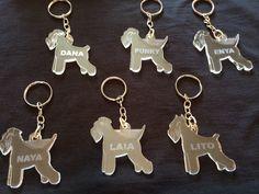 Laveros de meraquilato personalizados con el nombre de tu perro por solo 8 euros..encuentralos en.. https://www.facebook.com/pages/Schnauzer-MINI-Merchandising/1488670871347549?ref=hl