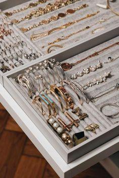 Schmuckaufbewahrung f r Ringe Ketten Brillen Co Fashiioncarpet Jewelry Closet, Jewelry Drawer, Kids Jewelry, Jewellery Storage, Jewellery Display, Cheap Jewelry, Jewelry Mirror, Jewelry Box, Leather Jewelry