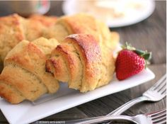 Low-Carb Crescent Rolls | They're gluten-free and easy to make! What could be better?