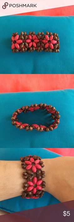 Beaded Floral Bracelet Very cute and summery bracelet Jewelry Bracelets