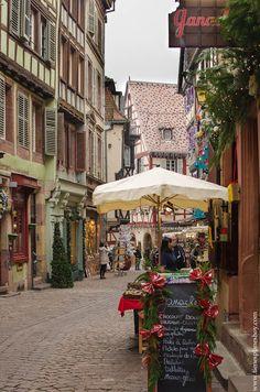 Alsacia, 5 días en Navidad: Día 3: Colmar - Eguisheim - Turckheim - Kaysersberg - Ribeauvillé   ¿Tienes planes hoy? Andorra, Black Forest, Monaco, The Good Place, Places To Go, Street View, Nice, World, Travel