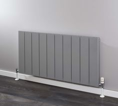 Supplies 4 Heat Radcliffe Horizontal Aluminium Radiator - a horizontal aluminium with an Italian design and manufacture available in either a Textured Matt White or RAL 9007 Grey Aluminium. Bedroom Radiators, Home Radiators, Kitchen Radiators, Modern Radiators, Yellow Gray Bedroom, Grey Room, Open Kitchen And Living Room, Kitchen Room Design, Slimline Radiators