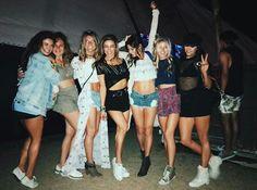 Danielle Campbell. Nina Dobrev | Coachella 2017 ☀️