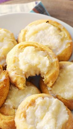 Easy Cream Cheese Danish Recipe, Cream Cheese Crescent Rolls, Crescent Roll Dough, Cream Cheese Filling, Bakery Recipes, Dessert Recipes, Crescent Roll Recipes, Danish Food, Danishes