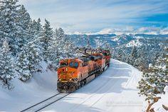 BNSF (GE leads a manifest freight @ Crescent, Colorado on February Photo by Nick D'Amato. Train Car, Train Tracks, Train Wallpaper, Old Steam Train, Bnsf Railway, Rail Transport, Burlington Northern, Train Engines, Train Journey