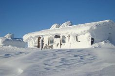 """A wintry cottage on the mountain """"Dundret"""" up in Gällivare, north of Sweden"""