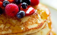 Zabpelyhes palacsinta juharsziruppal French Toast, Pancakes, Berries, Favorite Recipes, Snacks, Breakfast, Food, Steel, Morning Coffee
