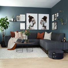 ~ Tara & Tyra ~ 🧡 reklame| Ny bildevegg er på plass i stua og disse to fantastiske bildene fra flinke @linnwold har fått hedersplassen 😍… Living Room Designs, Living Room Decor, Hotel Design Architecture, Modern Kitchen Design, Interior Decorating, Inspiration, Furniture, Basement, Instagram