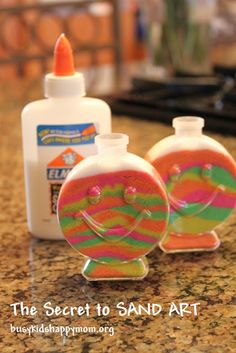 Busy Kids = Happy Mom: The Secret to Success for SAND ART with Kids Craft Project for Beach theme program? Sand Crafts, Beach Crafts, Summer Crafts, Ocean Crafts, Summer Fun, Sand Art For Kids, Diy For Kids, Colored Sand Art, Sand Art Bottles