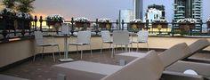 Il lettino Sambed, dal design lineare ed elegante, coniuga le funzioni di un lettino prendisole a quelle di una chaise longue imbottita in Tecnorev a densità differenziate, con schienale reclinabile. Showroom, Conference Room, Bed, Table, Outdoor, Furniture, Design, Home Decor, Elegant