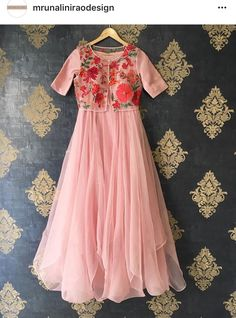 Baby Frock Pattern, Frock Patterns, Girl Dress Patterns, Indian Designer Outfits, Designer Dresses, Simple Gown Design, Kalamkari Dresses, Frocks And Gowns, Pakistani Fashion Party Wear
