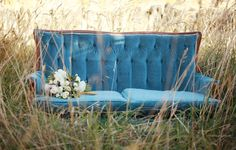 Vintage Wallpaper Blue Chairs New Ideas Living Room Wood Floor, Living Room Shelves, Living Room White, Living Room Colors, Living Room Carpet, Living Room Decor, Living Rooms, Blue Couches, Blue Chairs