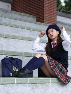 ExtremaRatio - Silente Knife Black - NOCS State Police - knife with multi-purpose pliers School Girl Japan, School Girl Dress, Cute Asian Girls, Beautiful Asian Girls, Poses, Sexy Teenager, School Uniform Fashion, Cute Kawaii Girl, Girl Outfits