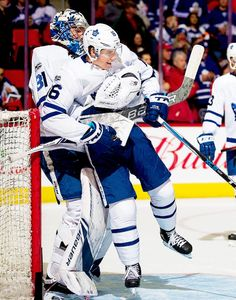 Mitchell Marner, the man child Kings Hockey, Hockey Girls, Hockey Mom, Ice Hockey, Rangers Hockey, Hot Hockey Players, Nhl Players, Toronto Maple Leafs Wallpaper, Funny Hockey Memes