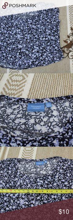 "Simply Vera Wang PXL floral print blouse Simply Vera Wang PXL floral print blouse cap sleeve career  armpit to armpit 21"" length 20""  (B10-14) Simply Vera Vera Wang Tops Blouses"