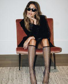 80s Fashion, High Fashion, Winter Fashion, Fashion Trends, Hailey Baldwin Style, Hayley Baldwin, Classic Tuxedo, Halloween, Wearing Black