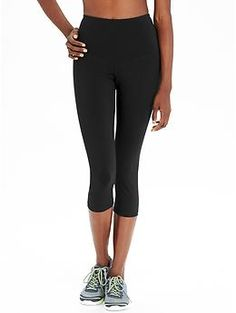 Women's High-Rise Go-Dry Compression Crops | Old Navy