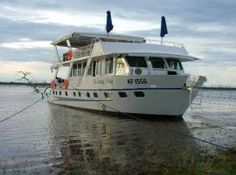 Lake Kariba Houseboats. (Zimbabwe): Lake Kariba is a huge man made dam which offers wonderful game viewing from the river banks. The boat itself is very relaxed and offers guests the chance to see the best of Zimbabwe.