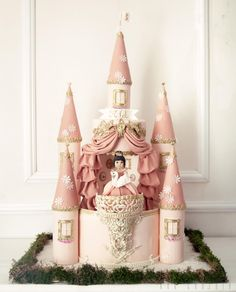 Castle Cake - Cake by Kek Couture
