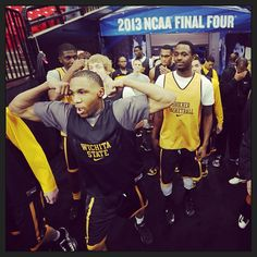 The #Shockers take the floor at the Georgia Dome. #WATCHUS #PlayAngry