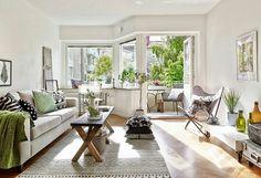 licht appartement #vlinderstoel #light #livingroom