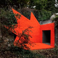 """Didier Faustino adds """"explosive architectural installation"""" to André Bloc's 1950s villa"""