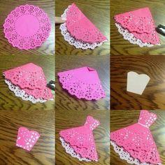 56 New Ideas for origami dress card weddings Paper Doily Crafts, Doilies Crafts, Paper Doilies, Origami Vestidos, Diy And Crafts, Crafts For Kids, Origami Dress, Diy Origami, Origami Paper