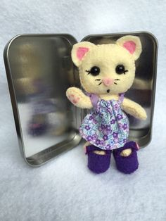 Lil' Maties - felt cat, Mrs. Abby in tin house by MatiesMeadow on Etsy https://www.etsy.com/listing/231104128/lil-maties-mrs-abby-in-tin-house