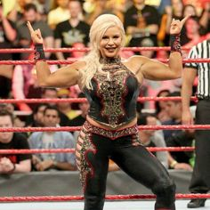 Emma returns to Raw to join The Queen and Nia Jax against the Raw Women's Champion, The Boss and the hard-hitting Dana Brooks in a Six-Woman Tag Team Match. Wrestling Divas, Women's Wrestling, Wwe Dana Brooke, Wwe Women's Division, Nia Jax, Wwe Wallpaper, Charlotte Flair, Sasha Bank, Wwe Womens