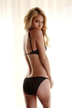 Bryana Holly dla Gooseberry Intimates