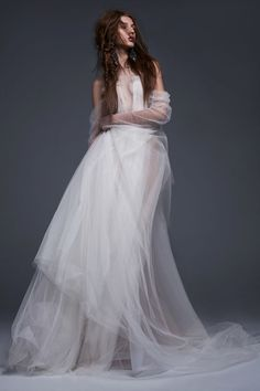 Felisa Vera Wang Bridal 2017  - HarpersBAZAAR.com