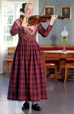 Bunad from Hadeland - Norway Folk Costume, Costumes, Norwegian People, Beautiful Norway, Folk Dance, Medieval Dress, Everyday Dresses, Historical Clothing, Traditional Dresses