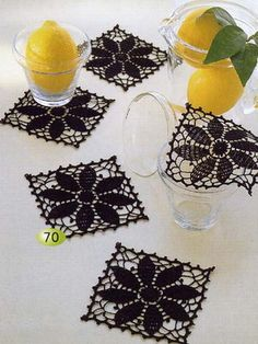 These coasters are so elegant. I think they use a thread size  20 or even 30.