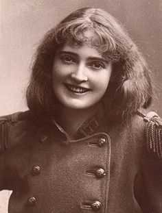 Dorothea Baird.Mother of artist/theatrical designer Laurence H. F. Irving (b. 1897) and actress Elizabeth Irving (b. 1904). Created the title role in Beerbohm Tree's hugely successful production of 'Trilby'.
