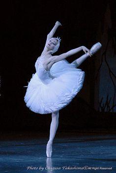 """""""Swan Lake"""" Lopatkina 6   Flickr - Photo Sharing! #Ballet_beautie #sur_les_pointes *Ballet_beautie, sur les pointes !*"""