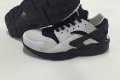 Nike Air Huarache Womens Mens White Black Shoes
