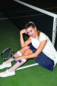 """Eugenie Bouchard (called """"Genie"""" Bouchard) is a Canadian professional tennis player. Canadian Tennis Player, Tennis Players Female, Eugene Bouchard, Beautiful Player, Professional Tennis Players, Sports Celebrities, Tennis Stars, Tennis Clothes, Sporty Girls"""