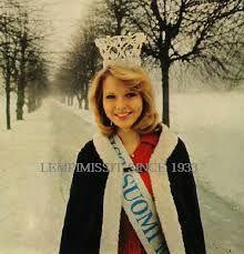 Miss Suomi Johanna Raunio 1974 Finland Ancient History, Finland, Nostalgia, Winter Hats, Memories, Retro, Lady, Vintage, Women