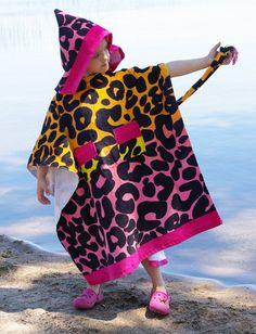 tutorial, towel, beach, pool, summer, poncho, hooded, hoodie, terry cloth, make, pattern, instructions, diy