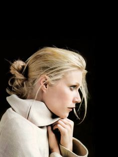 Iconography: Gwyneth Paltrow | The Way We Live Gwyneth Paltrow, My Father's Daughter, Tone Thighs, Wedding Hair And Makeup, Wedding Hairstyle, Profile Photo, Portrait Inspiration, Celebs, Celebrities